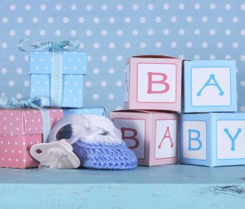 Gepersonaliseerd kraamcadeau; Persoonlijke cadeaus voor de baby voorzien van naam, tekst of afbeelding