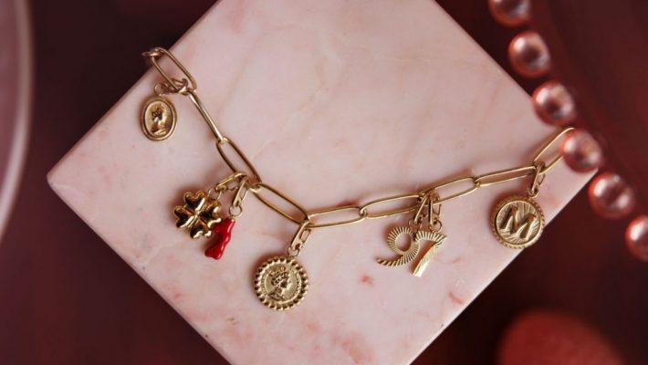 My Jewellery Moments to collect collectie; Bedelsieraden: bedelketting, bedelarmband en oorhanger