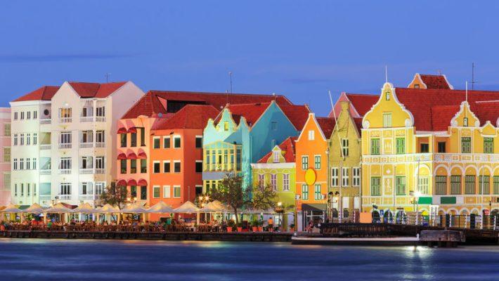 Wil je een bezoek brengen aan Curaçao met kinderen? In dit blog vind je tips + een review van Bon Bini Seaside resort