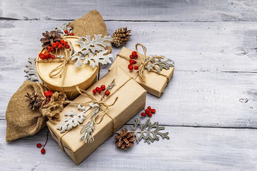 Op zoek naar het perfecte kerstpakket? In dit blog vind je een aantal tips en trends