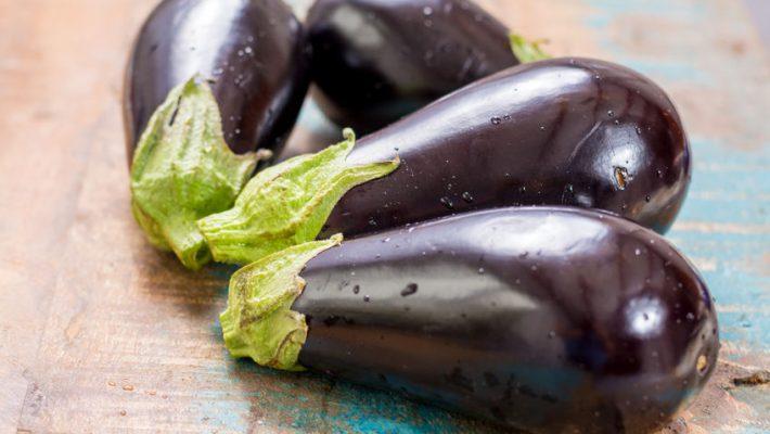 Vegetarische groenten stoofpot met aubergine